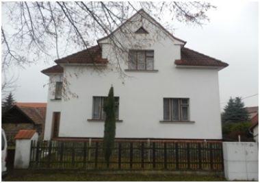 Spoluvlastnický podíl ve výši 1/4 na rodinném domě v obci Pertoltice, okres Kutná Hora